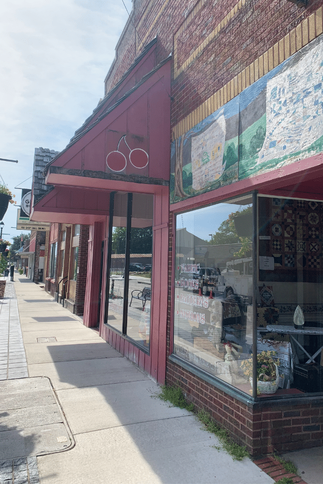 historic downtown sevierville shopping stores cherry pit quilt shop
